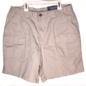 Croft & Barrow tan cargo shorts NWT 34W